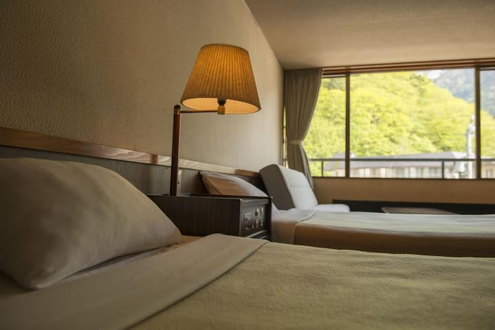 A relaxing stay at a historical Hot Spring Ryokan in Hida, Breakfast Included【From 2 pax】Western-style Twin