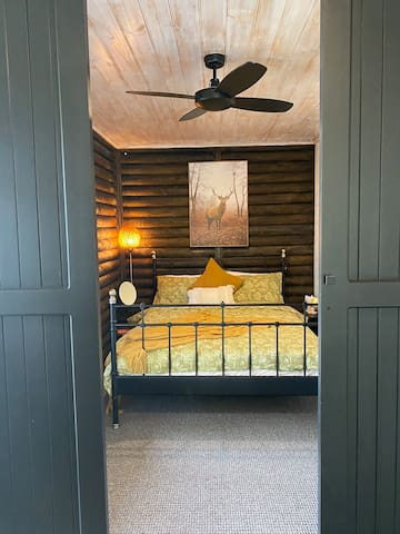 Bedroom 2, Queen bed - with sliding doors for complete privacy, there is a window to the left!