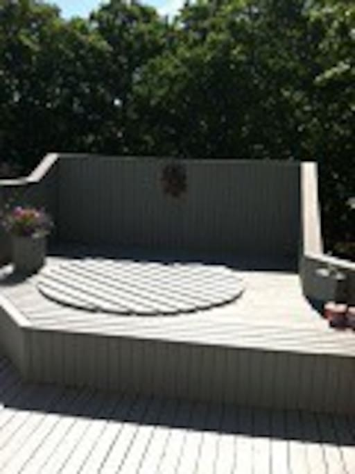back deck hot tub