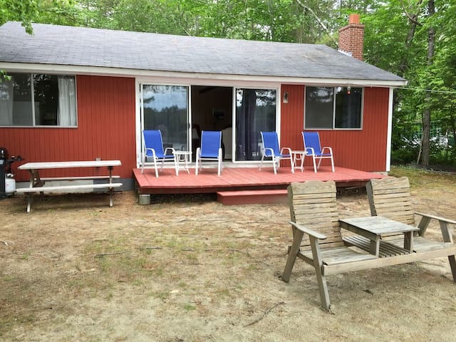 Beautiful waterfront cottage on Lake Winnipesaukee - Moultonborough - บ้าน