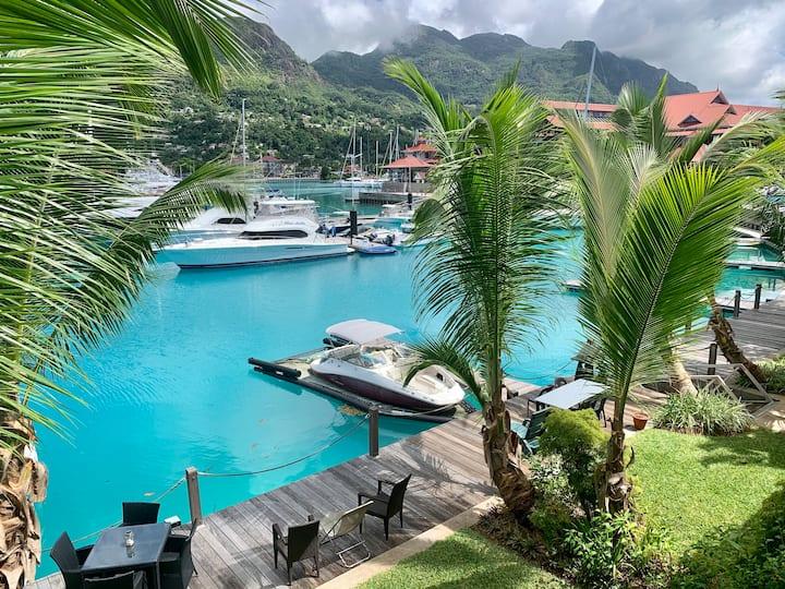 Luxury 2-BR Eden Island Apartment w/ Amenities