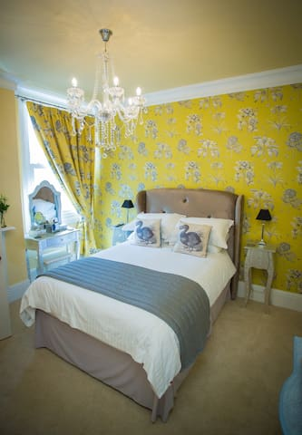 Georgeous Double Ensuite Room - Cariad (Room only) - Merthyr Tydfil - Hospedaria