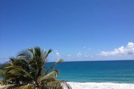 Oceanfront Apartment, great view - Luquillo