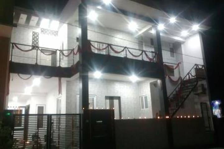 """Shree"" Home Stay - Comfort."