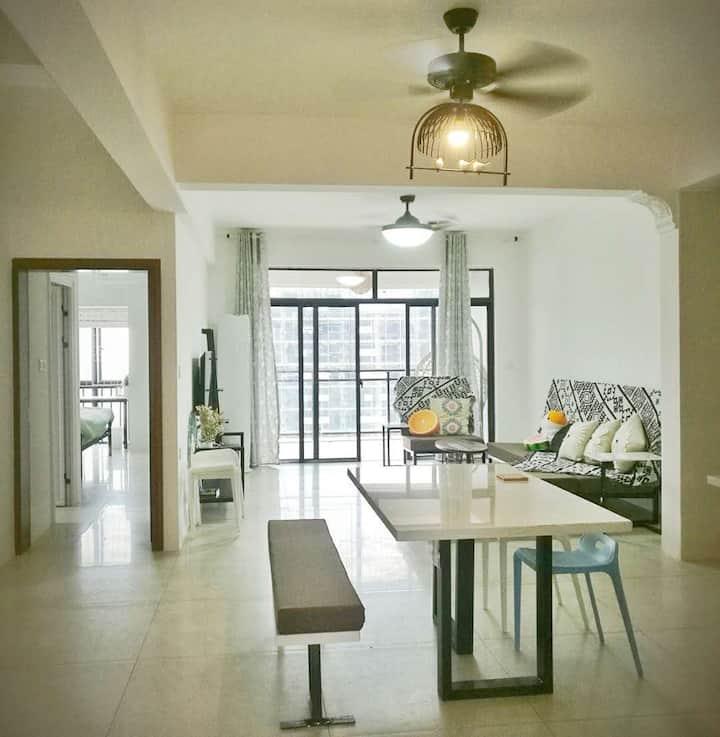 百色CBD核心地段特色装修/超高楼层/江景三房两厅/远眺右江/地下停车位|布林壮莊