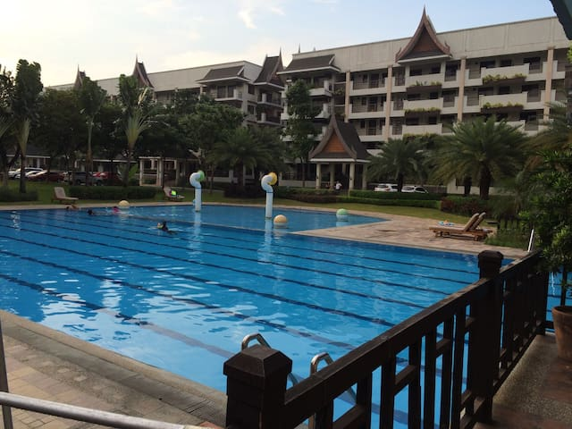 Resort type Condo Entire home 2BR - Тагиг - Квартира