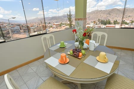 Wonderful view and centric 3BR