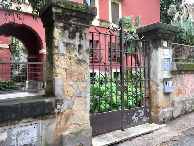 Nice Flat in Historical Building, Residential Rome