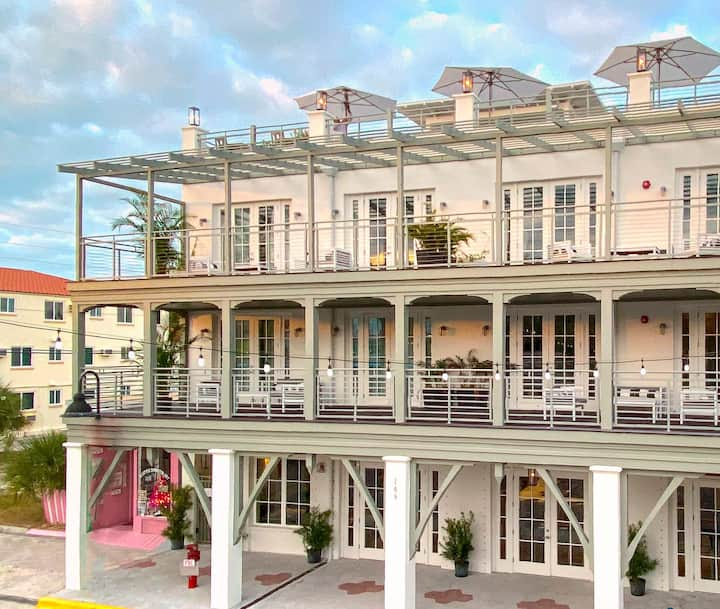 303A 1 BR Suite - Overlooks Gulf, Bay, Main St