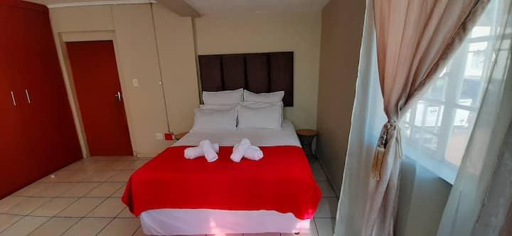 Dikeledi Cozy Gem in Turffontein Bedroom 4