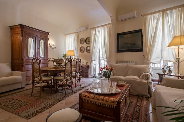 Real Teatro Apartment - a luxury home with terrace