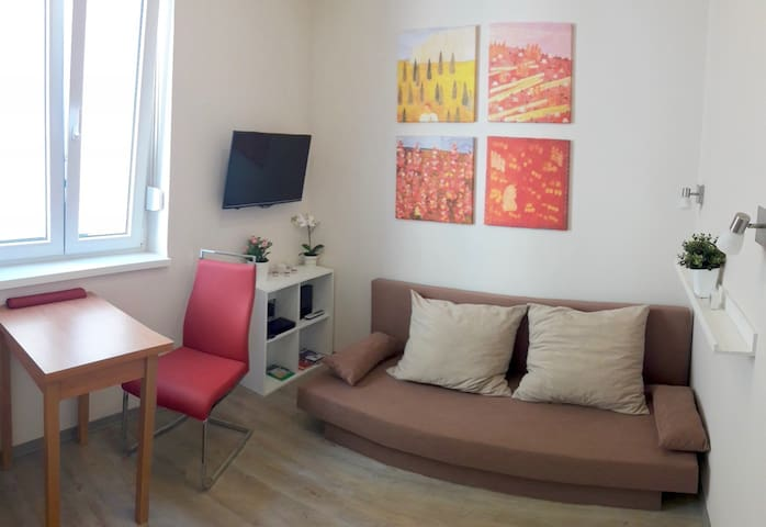 COMPACT tiny apartment (15 sqm) in the center