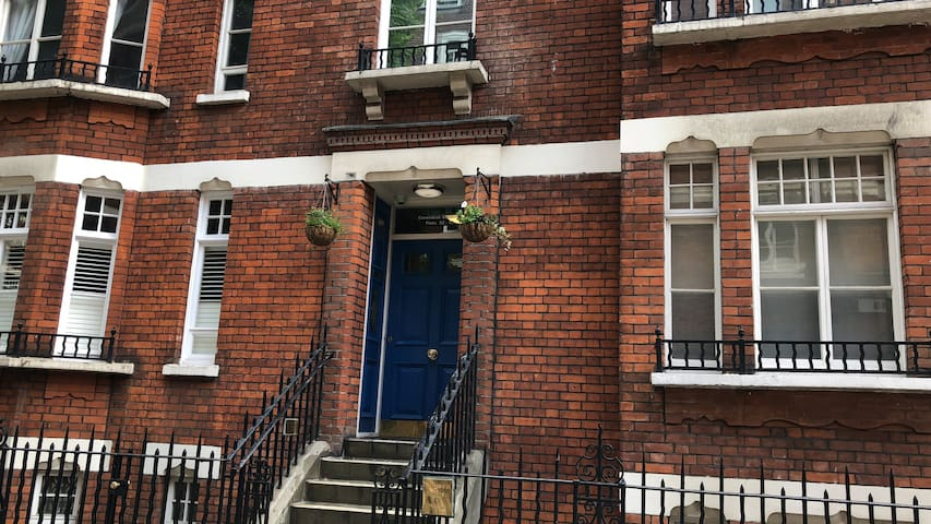 *Central London zone 1-2! 3' from metro station 2