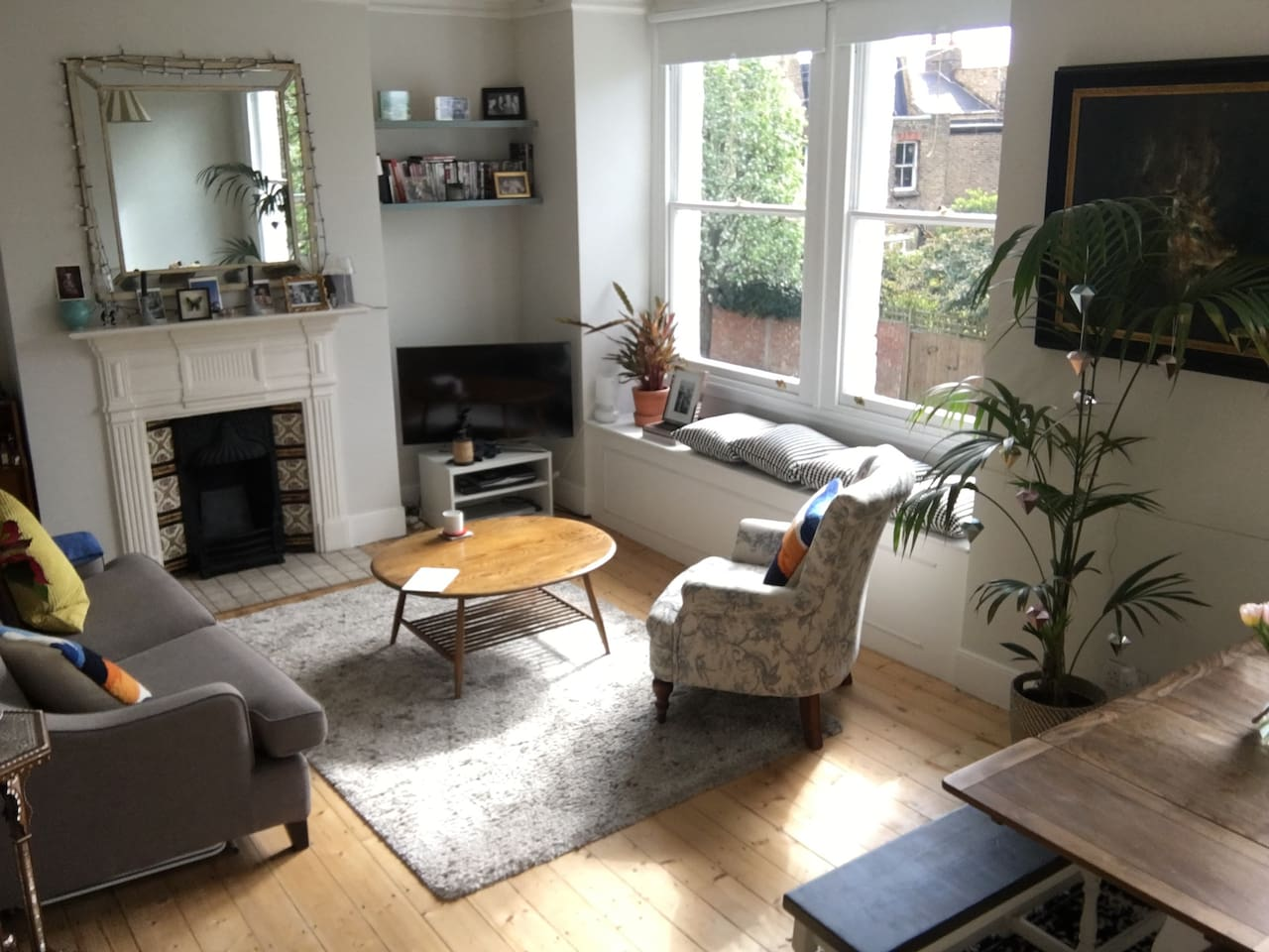 Lounge / front room, tv (with Sky), sofas and dining table