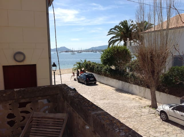 Casa Ginard a 20 metros de la playa - Pollença - Hus