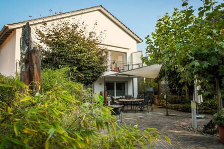 "Villa Dragona Dufti-Kuss Wohnung ""Dragon"" im OG"