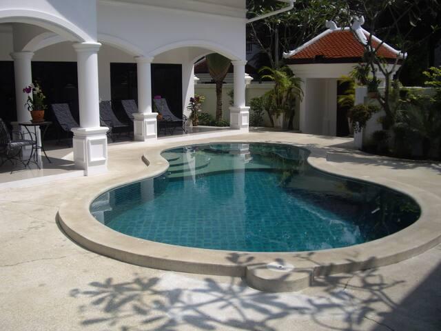 3 bedroom villa / luxurious village