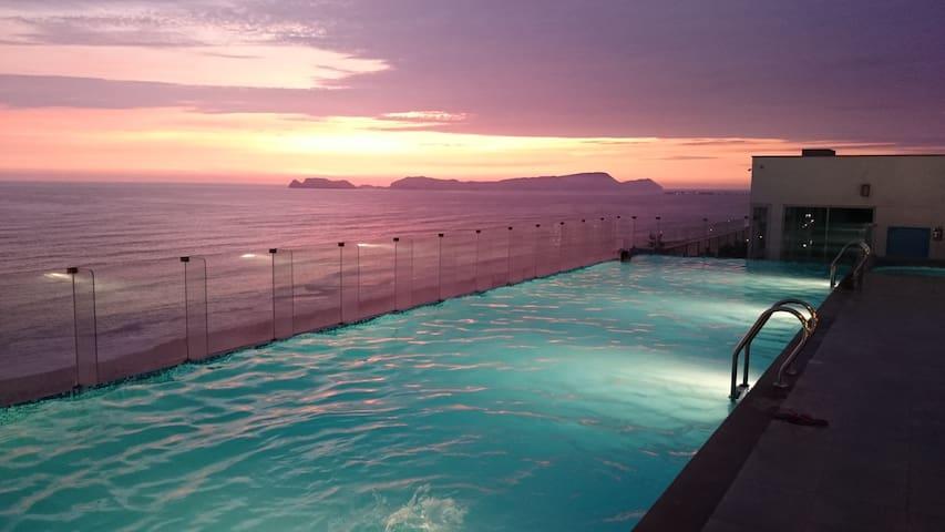 Ocean View, Luxury Condo near Airport & Miraflores