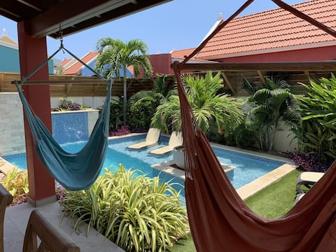 Beautiful Villa with exotic HEATED private pool