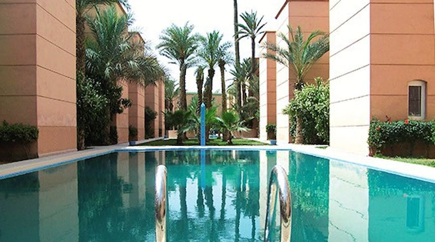 Beau Riad a Marrakech.Wifi.piscines. - Marrakech