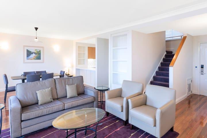 3 Bed Premier Villa @ Cypress Lakes Resort