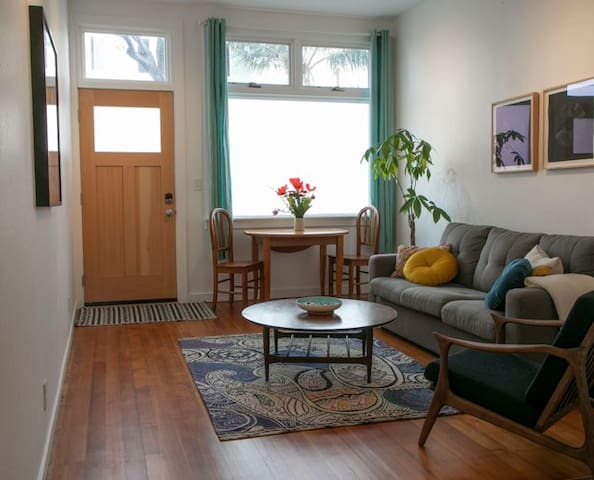 Beautiful Mission District Flat