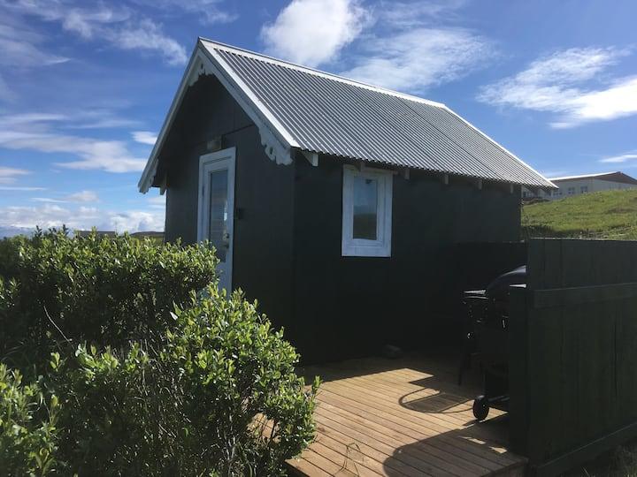 Miðleiti - Cabin for three people
