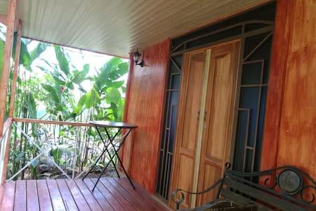 Cabinas EcoGarden Arenal vives con la naturaleza
