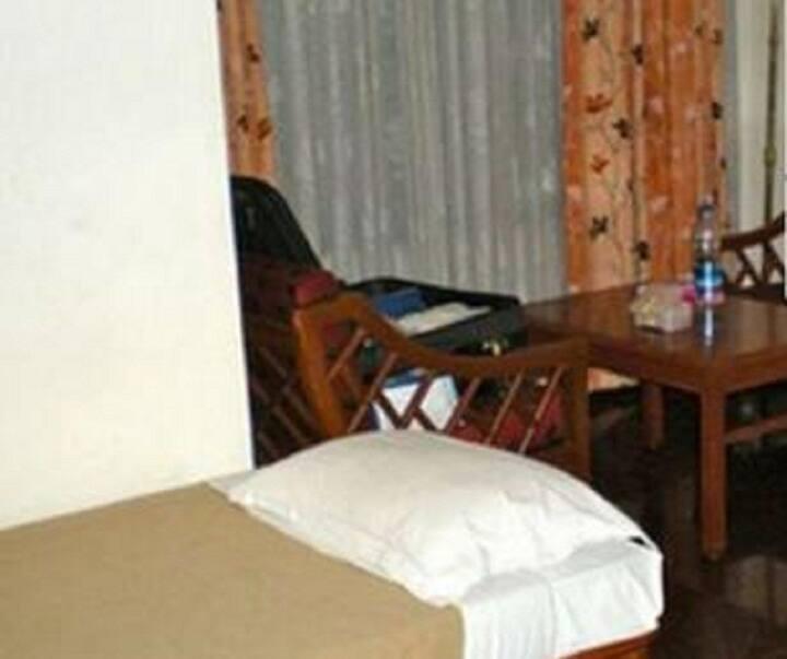 iROOMZ Hotel Pawan, Double Non A/C Room, Bellary
