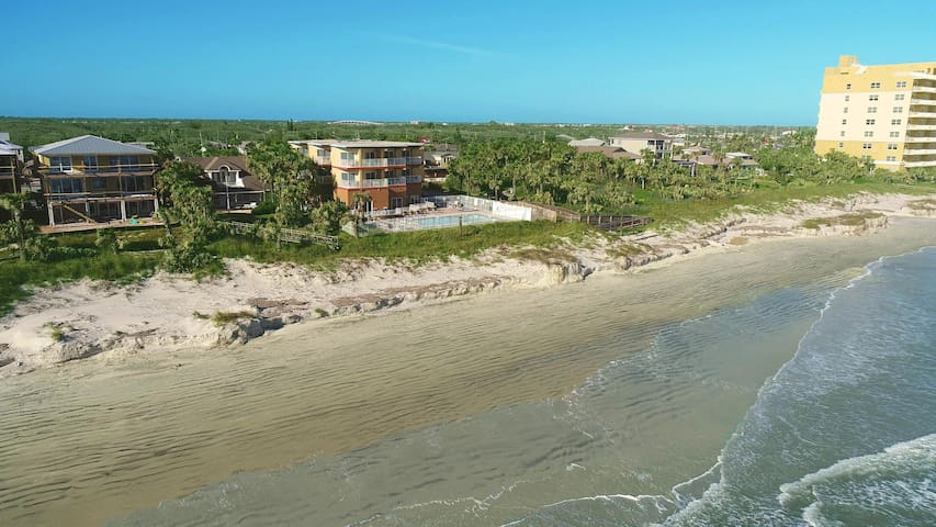 Oceanfront! 2 Br!  Pool!  Hot Tub! Amazing View 3A