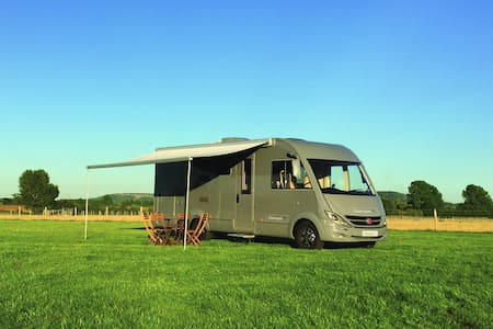 GlamperRV -  luxury motorhome hire - Buckinghamshire