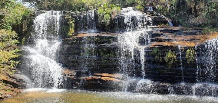 Linda fazenda com rio particular e cachoeiras
