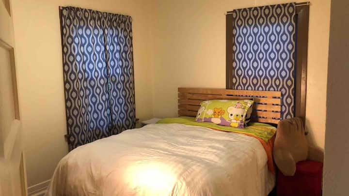 Private quiet  room in center of Rosemead -3
