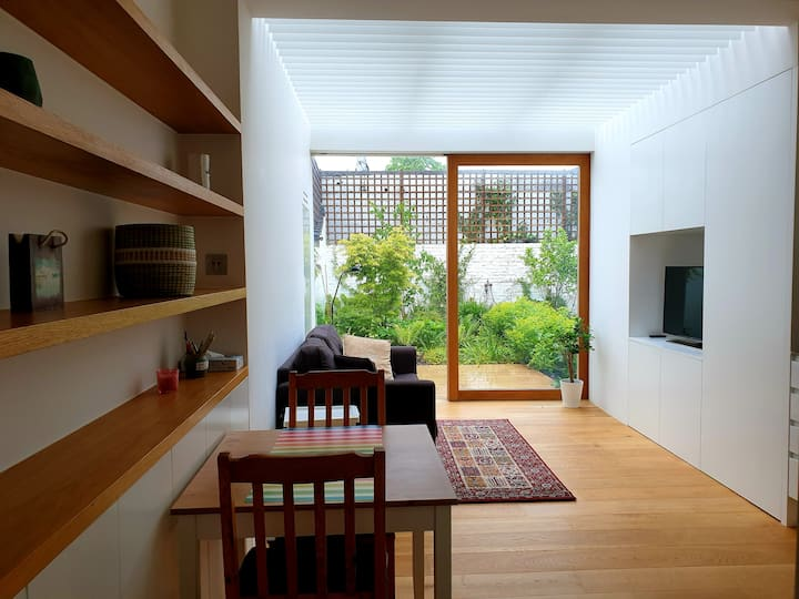 Newly refurbished, stylish flat in north London
