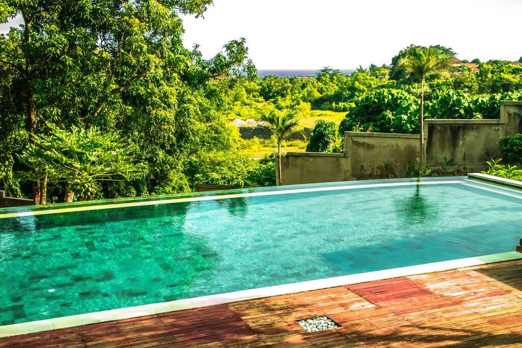 Shared large pool