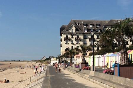 bord de mer*~* plage à 20m/ annulation sans frais