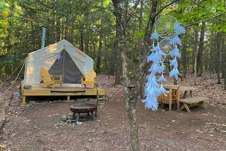 Woodstock's Dreamcatcher Cabana