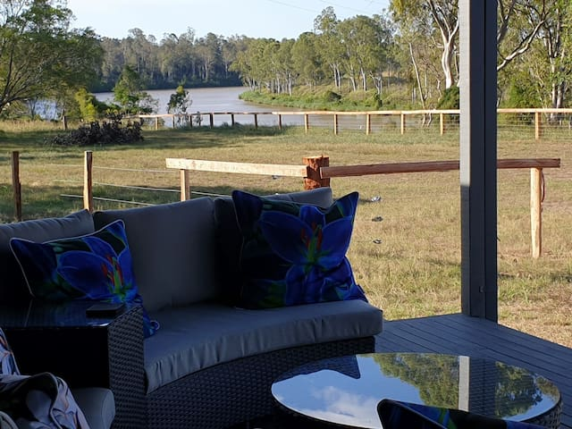 Farm Stay, Moggill, Brisbane - Alpaca Cottage
