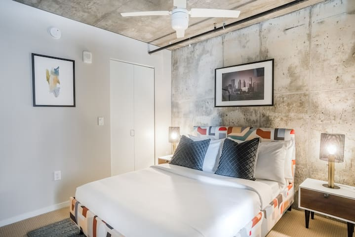 Ideal Downtown Spot for your Mini-Apple Getaway