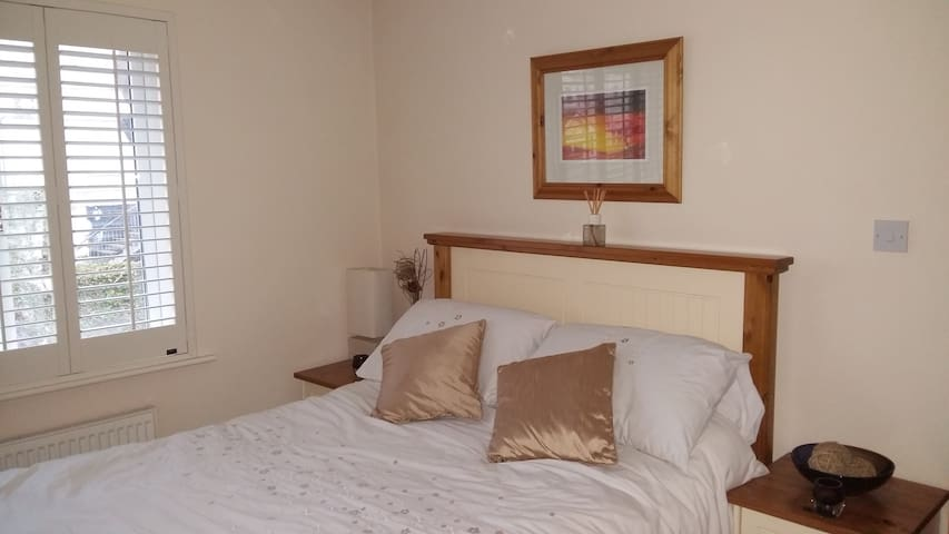 Double Room, Dooradoyle