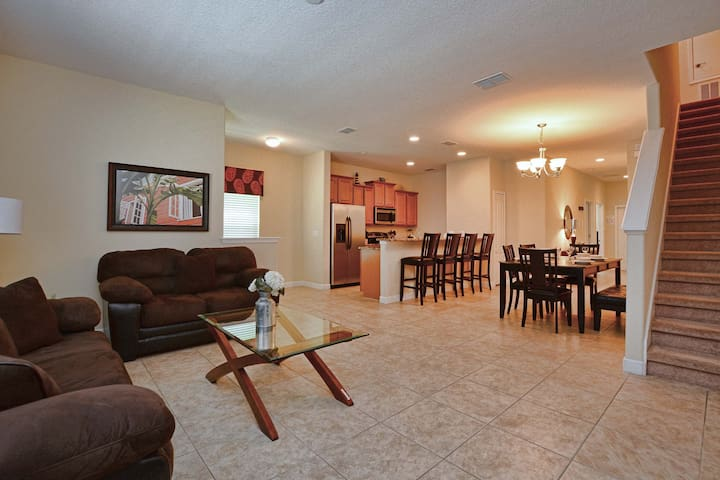 Home for up to 11 people, 5 min to DISNEY - Kissimmee