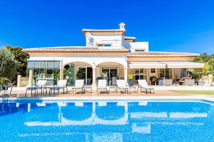 Villa South Pinosol Javea, Luxurious with Private Pool