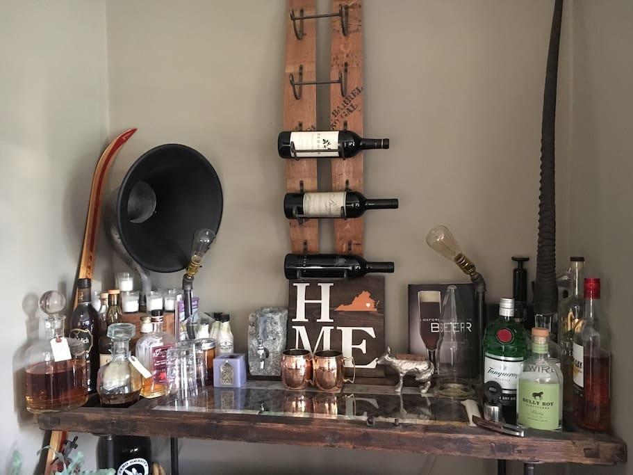 Living room bar corner