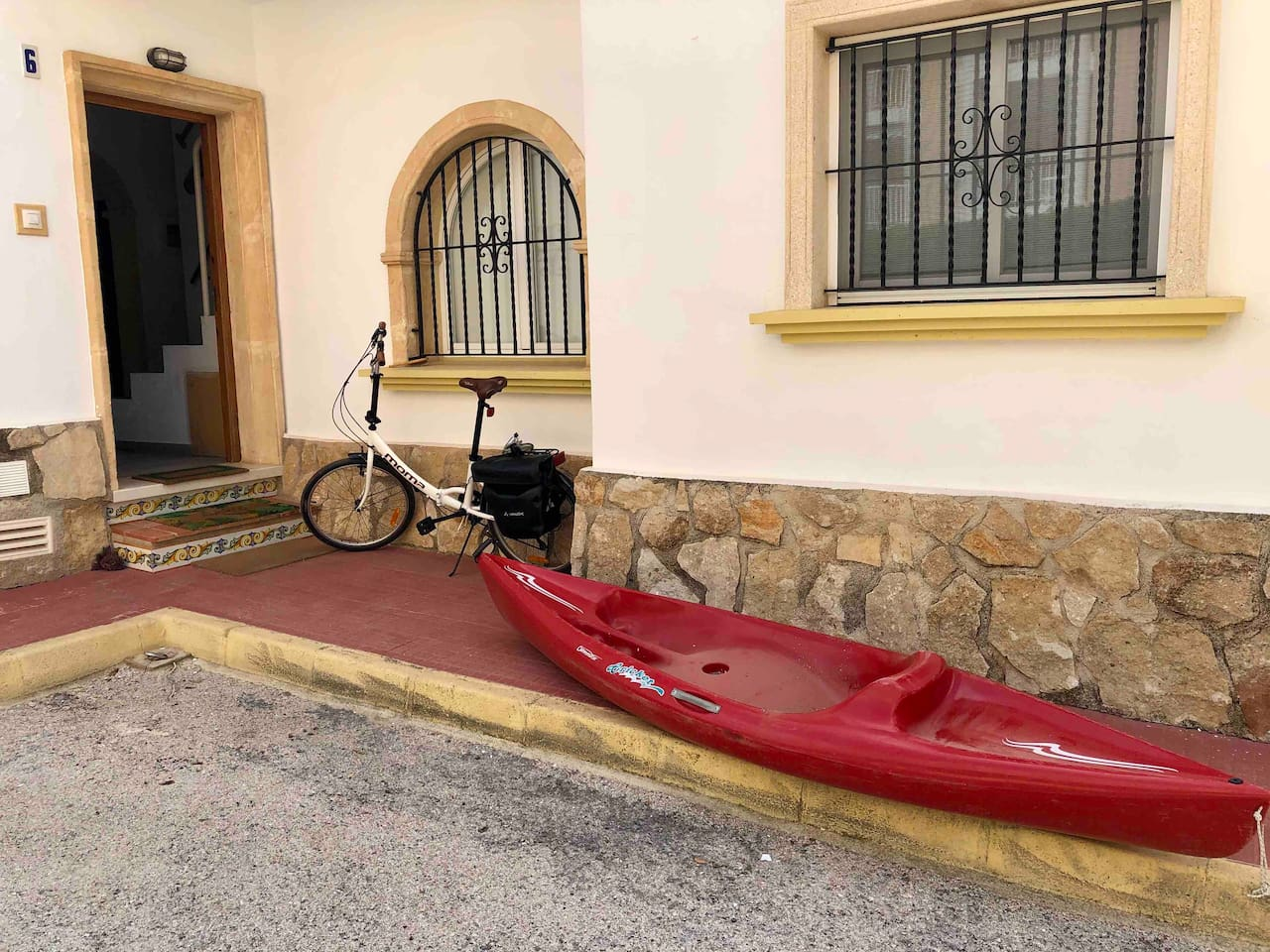 Kayak and bikes for guest use
