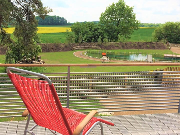 Ferienwohnung Brauhaus 3 (Königsberg), Design-Ferienwohnung Quelle(82qm) mit Pool