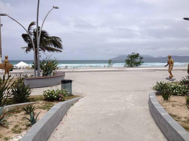Visão da Praça das Águas para a Praia do Forte