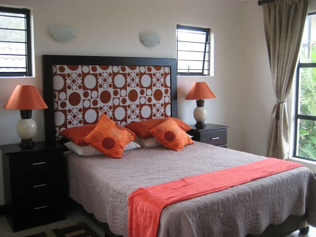 Ideal for a couple visiting Ballito - Dolphin Coast - Dům