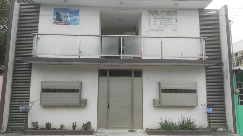 Departamento cerca del IMSS y Universidad Colón