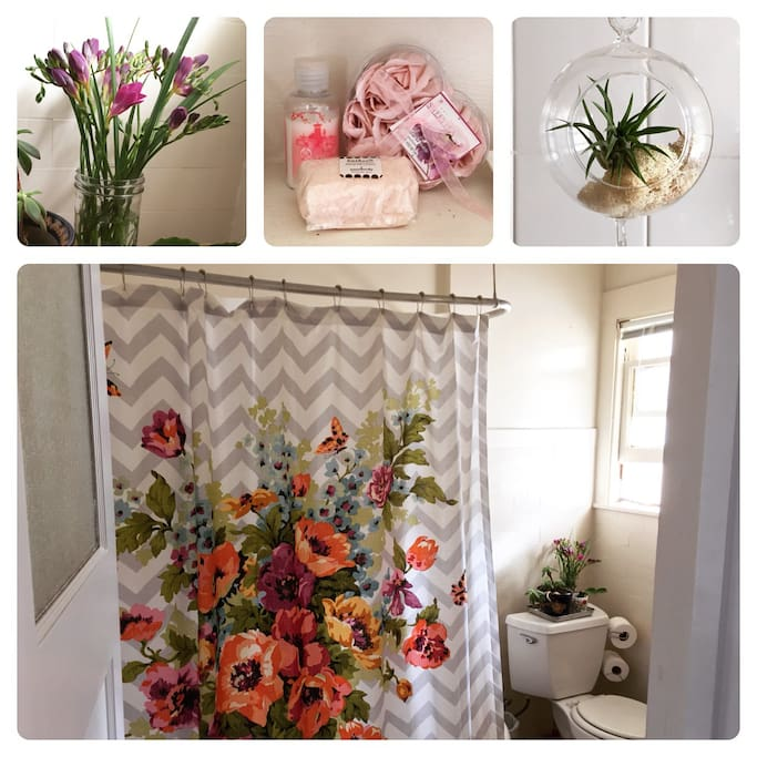 Floral bathroom with tub