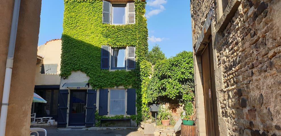 Maison de bourg 2 étages.